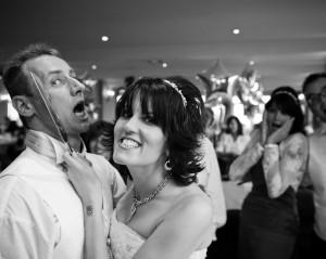 wedding photograph cake cutting