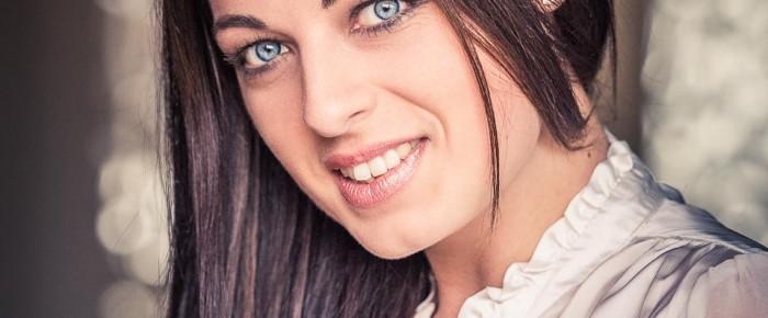 Kimmy blue eyes